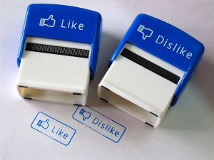 Like & Dislike Stamps 4 par Steel Wool, via Flikr (CC BY-NC-ND)